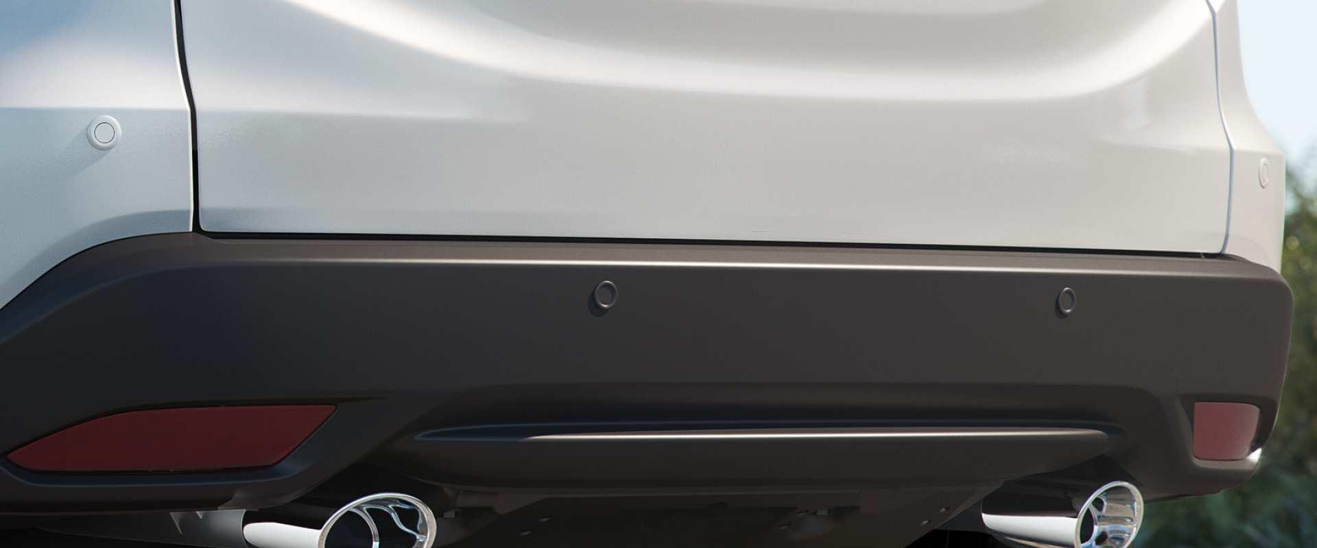 Sensores de estacionamento frontais e traseiros