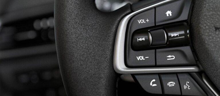 Bluetooth® com HFT e função Voice Tag